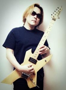 ギター講師の池田剛
